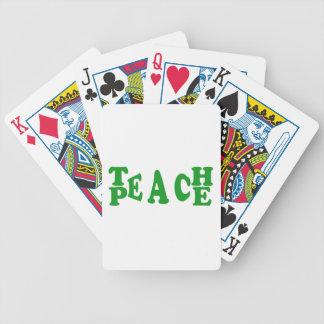 Enseñe a la paz en naipes verde oscuro de la barajas