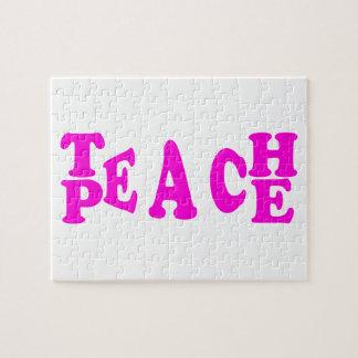 Enseñe a la paz en rompecabezas rosado de la