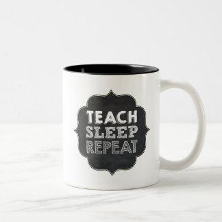 Enseñe a la taza de la repetición del sueño