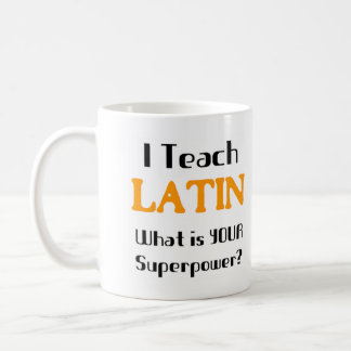 Enseñe al latín taza básica blanca