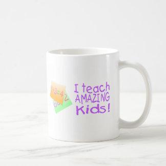 Enseño a los niños asombrosos (los números) tazas de café