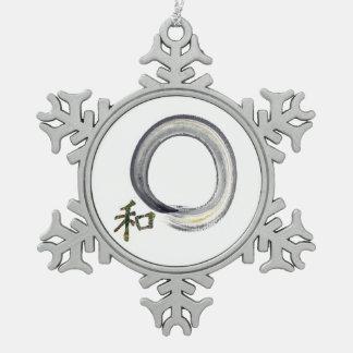 Enso de plata con el carácter de kanji para la adorno de peltre en forma de copo de nieve