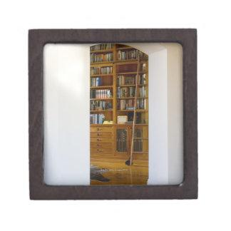 Entrada a la biblioteca casera cajas de recuerdo de calidad