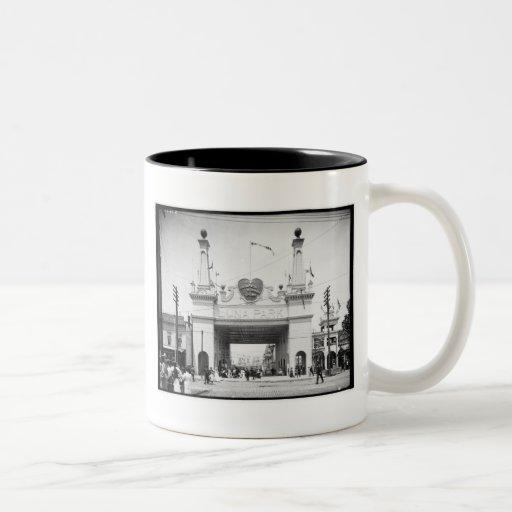 Entrada a Luna Park, Coney Island, N.Y. c1905 Tazas De Café