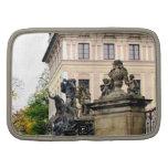 Entrada al castillo de Praga, Praga Planificadores