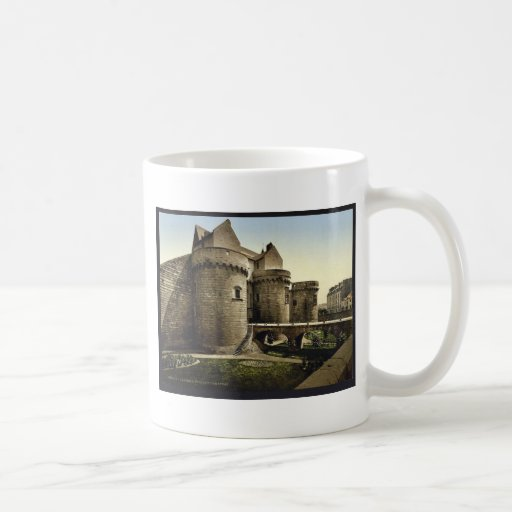 Entrada al castillo, vintage Photoch de Nantes, Fr Taza Básica Blanca