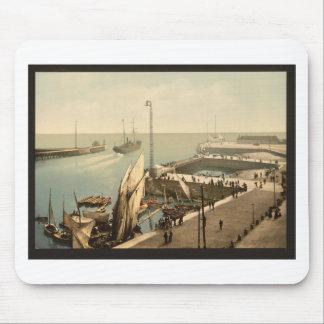 Entrada al puerto, Havre, Francia Alfombrillas De Ratones