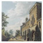 Entrada de la universidad de Winchester con Hous d Azulejo Cuadrado Grande