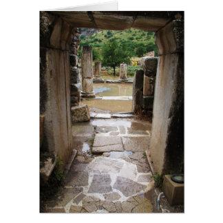 Entrada de piedra romana antigua en Ephesus Turqu Tarjeton