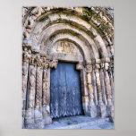 Entrada de una iglesia (Bravaes) del siglo XI Póster