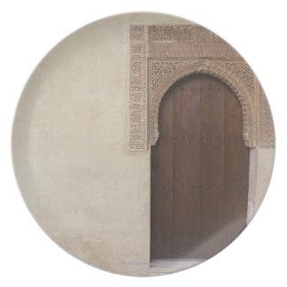 Entrada en el palacio de Alhambra en Granada, Espa Plato De Comida