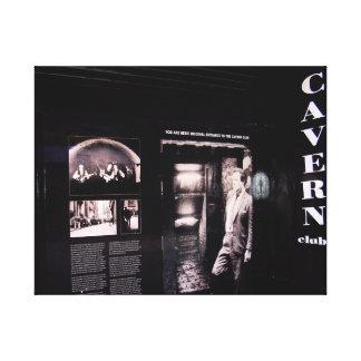 Entrada original del club de la caverna, lona envuelta para galerias
