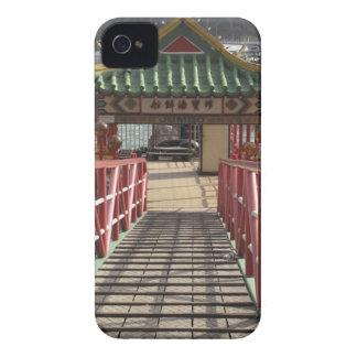 entrada para balsear el embarcadero para la funda para iPhone 4 de Case-Mate