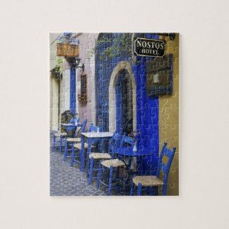 Entrada y apartadero azules coloridos al hotel vie rompecabeza