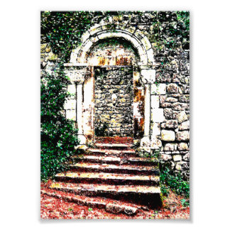 Entrada y escaleras de la roca en castillo del Moo Fotografías