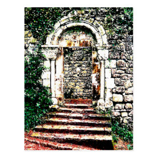 Entrada y escaleras de la roca en castillo del Moo Postales