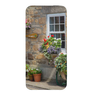 Entrance to Smugglers Bed and Breakfast iPhone SE/5/5s/5c Pouch