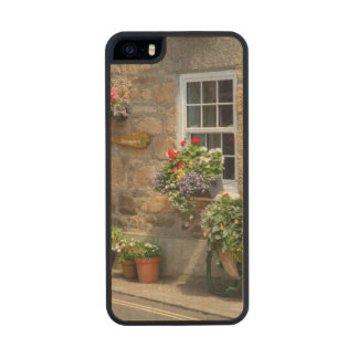 Entrance to Smugglers Bed and Breakfast Wood Phone Case For iPhone SE/5/5s