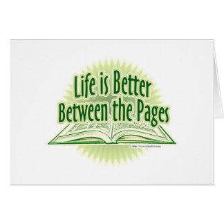 Entre el estilo verde de las páginas tarjeta de felicitación