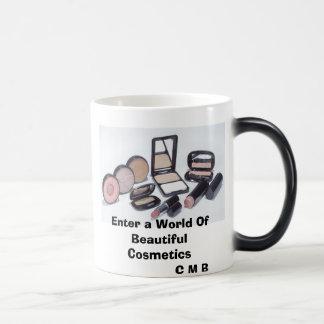 Entre en un mundo de cosméticos hermosos tazas