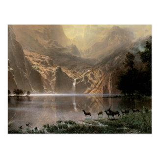 Entre las montañas de Sierra Nevada Postales