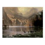 Entre las montañas de Sierra Nevada Tarjeta Postal