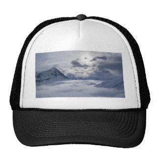 Entre las nubes gorra
