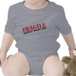 Entrega especial traje de bebé