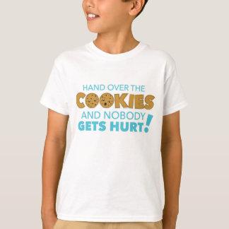 Entregue la camiseta de las galletas