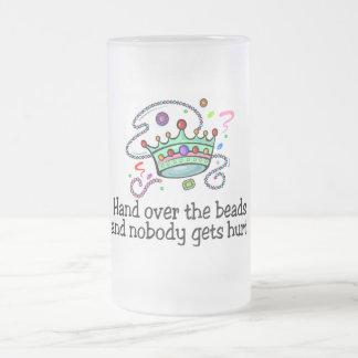 Entregue las gotas y nadie consigue gotas lastimad taza
