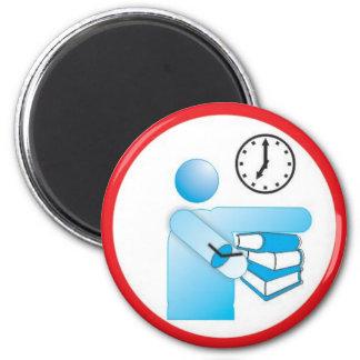 entregue o livro na hora ilustração informativa 2 inch round magnet