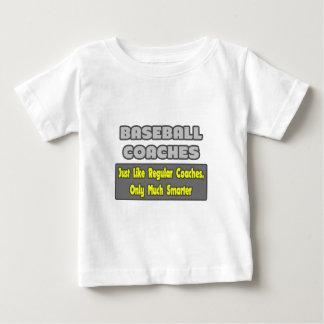 Entrenadores de béisbol… más elegantes tshirt