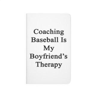 Entrenar béisbol es la terapia de mi novio