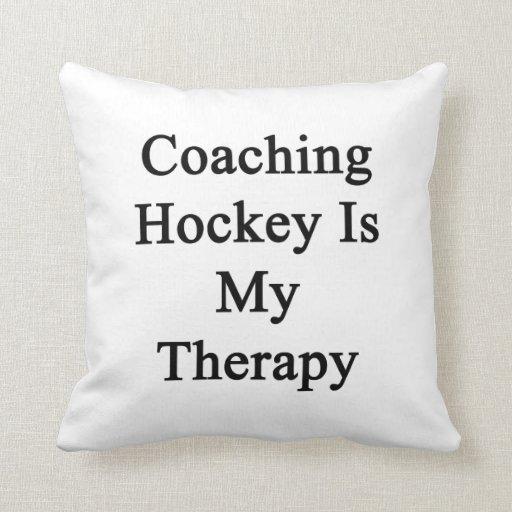 Entrenar hockey es mi terapia cojin