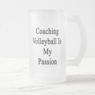 Entrenar voleibol es mi pasión taza cristal mate
