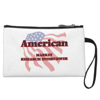 Entrevistador americano del estudio de mercados