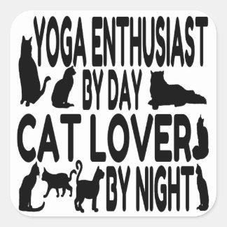 Entusiasta de la yoga del amante del gato colcomanias cuadradas
