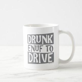 Enuf borracho a conducir taza de café