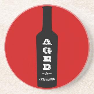 Envejecido al regalo del amante del vino de la posavasos personalizados