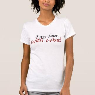 Envejezco mejor con el vino camiseta