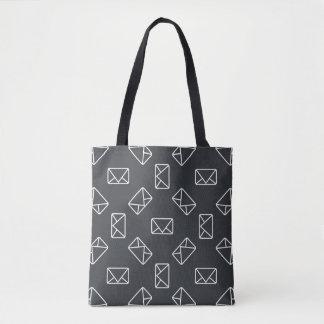 Envelope pattern tote bag