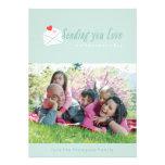 Enviándole la tarjeta del el día de San Valentín d