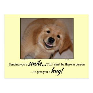 Enviándole un perrito de oro sonriente de la sonri