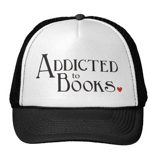 Enviciado a los libros gorros bordados