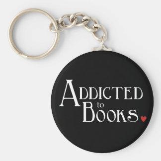 Enviciado a los libros llavero redondo tipo pin