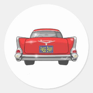 Envidia 1957 del paso del Bel Air de Chevrolet Pegatina Redonda