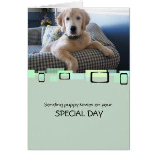 Envío de besos del perrito en su día especial tarjeta pequeña