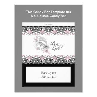 Envoltura rosada y negra de la barra de caramelo d tarjetón