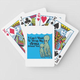 Envuelva mis brazos barajas de cartas