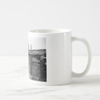 Épocas desesperadas - una chabola construida de la taza de café